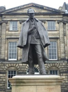 Пам'ятник Шерлоку Холмсу в Единбурзі